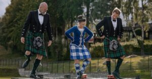 Outlander Cast: Men In Kilts: Episode 3 – Song And Dance